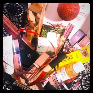Makeup Holiday Gift Set